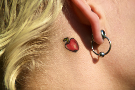I love behind-the-ear tattoos. So cute. (from Bonzai Aphrodite)