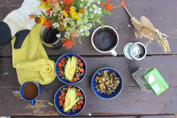 vegan camping breakfast coleman