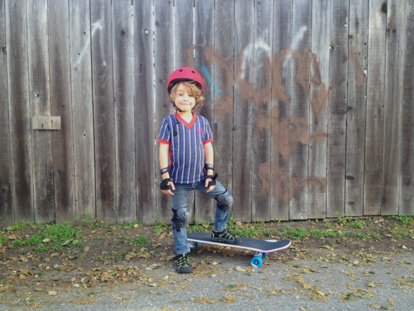 skateboard little boy