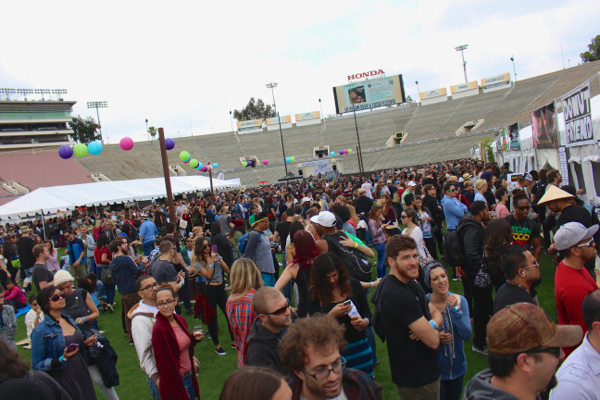 vegan beer fest crowd